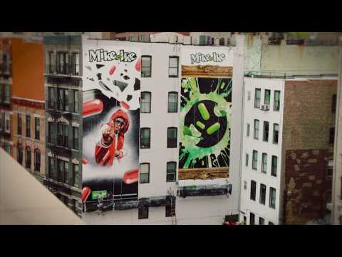 Mike and Ike Split - Billboard time lapse in Soho NYC