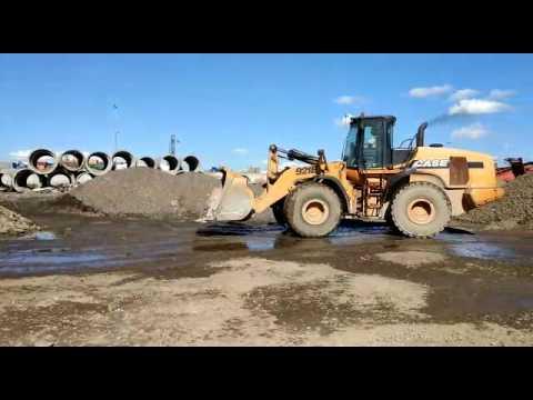 CASE 921 F. Три 20-ти тонных погрузчика работают на АБЗ в Санкт-Петербурге