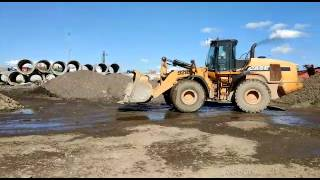 CASE 921 F. Три 20-ти тонных погрузчика работают на АБЗ в Санкт-Петербурге(, 2017-08-07T15:37:58.000Z)