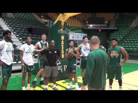 Darrell Green Works Out With George Mason Men