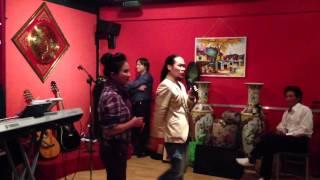 Nghệ sĩ ưu tú Thanh Ngân tại Musicbar BB Prague, Czech Republic, 10sep13