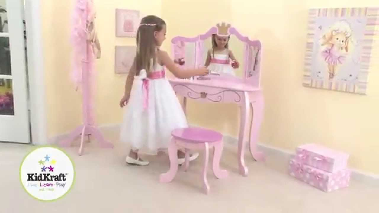 coiffeuse rose princesse en bois avec tabouret kidkraft youtube. Black Bedroom Furniture Sets. Home Design Ideas