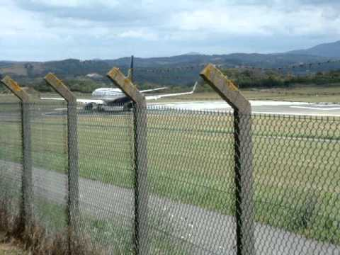 Ryanair B737 line up and take off RWY 27 at Biarritz (ATC included)