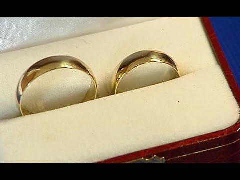 Ślubne obrączki w Biurze Rzeczy Znalezionych