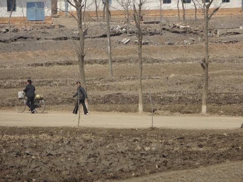 North Korea 2013: Train Ride from Dandong (China) to Pyongyang 北朝鮮旅行 平壌まで列車で