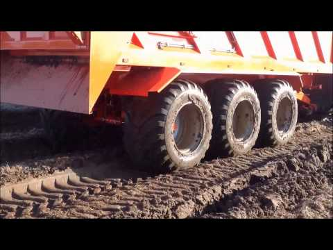 Lifting Carrots in Extremely Muddy Conditions With Larrington Crop Chaser