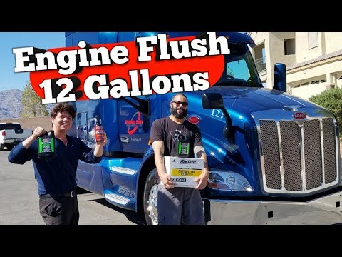 Peterbilt 579 Paccar MX-13 AMSOIL Engine Flush Oil Change