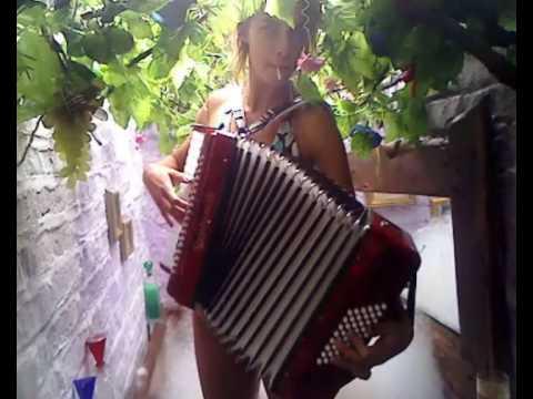 Natalia Tena from Molotov Jukebox live in Harry`s Hot Tub!
