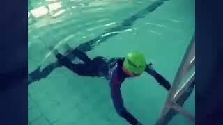 Первые упражнения для того,что бы научиться плавать!