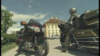 Harley-Davidson Ultra Classic E-Glide vs. Honda Gold Wing: Dickschiffe im Vergleich