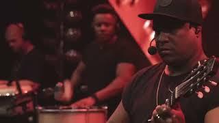VITINHO - Uma Estrela / Eu Tenho Muito Mais / No Meu Olhar Feat. Pique Novo (Ao Vivo)