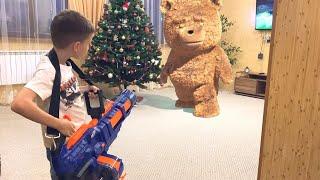 Nerf game teddy bear vs Bogdan with nerf titan Нерф игра плюшевый против нового года