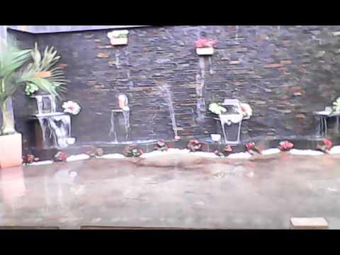 Fuentes y cascadas shalom muro llor n con cortinas de - Muro de agua ...
