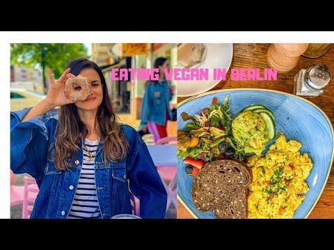 EATING VEGAN IN BERLIN// BEST VEGAN RESTAURANTS