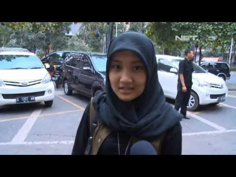 Entertainment News - Kegiatan Fatin Shidqia Sebelum Perform Di Boutique Islam Bandung