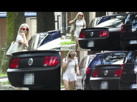 Margaret nie potrafi zaparkować swojego Mustanga?