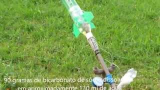 Lançamento com foguete de vinagre e bicarbonato de sódio
