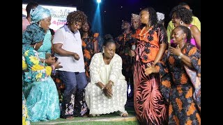 Download Video See Baba Sala daughter Singing as her sisters &family join her on stage at Their Dad tribute concert MP3 3GP MP4