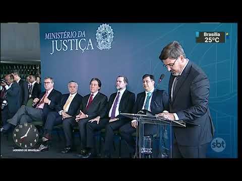Novo diretor-geral da PF critica investigação envolvendo Michel Temer   SBT Brasil (20/11/17)