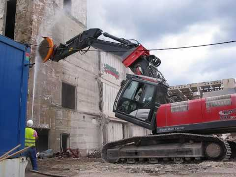 Cutting concrete in Berlin