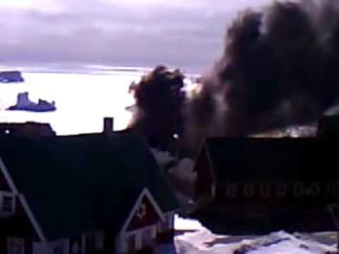 Elværket brænder i Upernavik maj. 2009