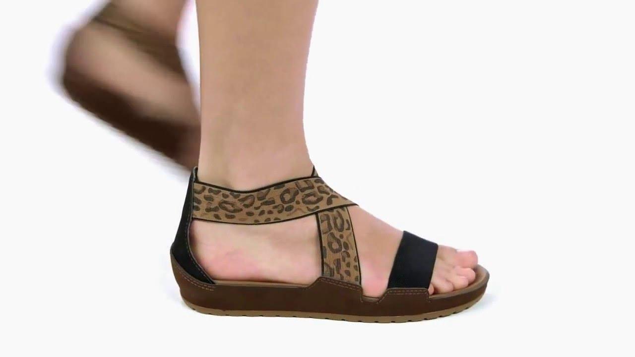 cc37b105c2ed Crocs anna ankle strap szandál youtube jpg 1280x720 Crocs straps