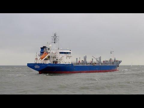 theodora oil/chemical tanker verlaat de scheveningsehaven op  23 10 2014