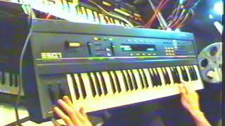 Ensoniq ESQ1 - demo (1 of 2) by syntezatory.net.pl