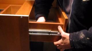 Регулировка ящиков на телескопических направляющих(Подробнее о сборке мебели в домашних условиях: http://www.sdmeb.ru., 2012-07-04T19:09:39.000Z)