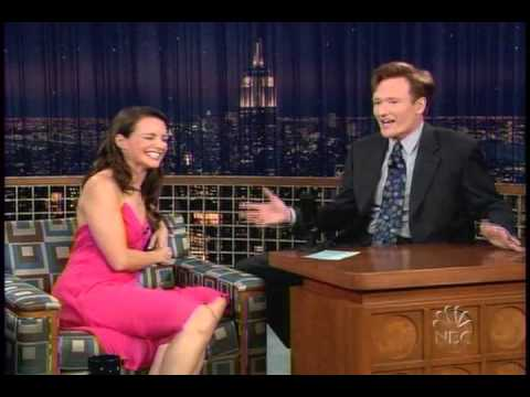 Kristin Davis with Conan O'Brien (10-26-2004)