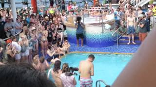 belly flop at parahoy with jeremy davis from paramore