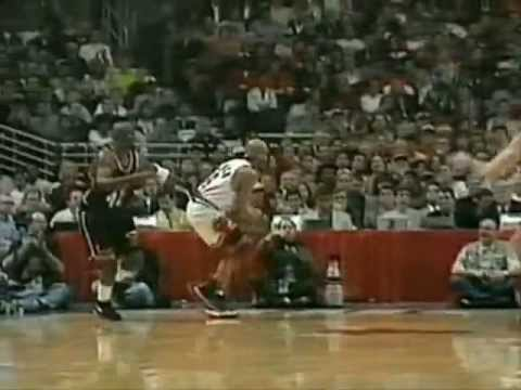 Ron Harper Goes Coast to Coast for the Dunk