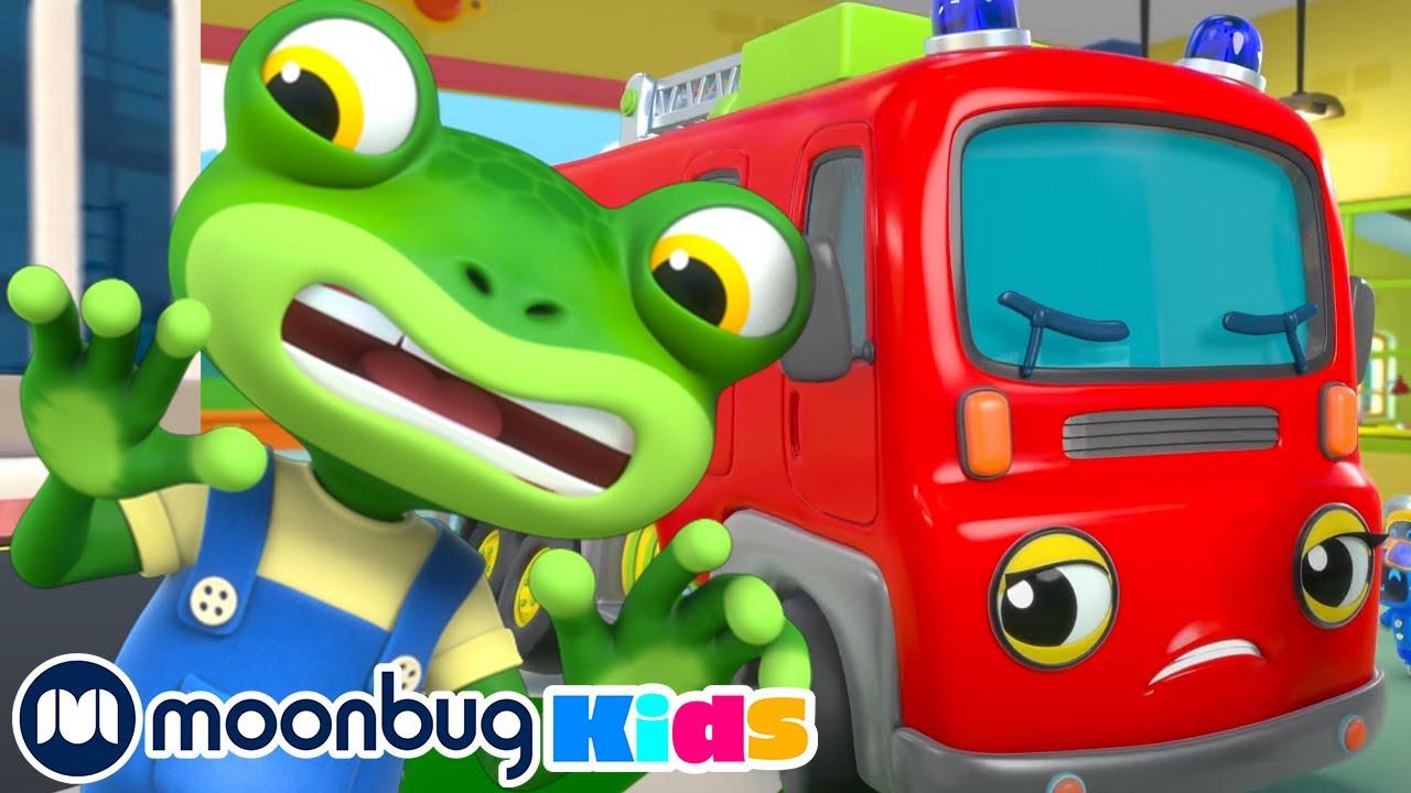 Fire Truck Fun - Geckos Garage   Playground for Children   Baby Cartoon   Moonbug Kids