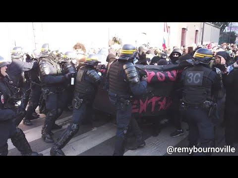 Fortes Tensions Entre Les CRS Et Les Antifa Rue De Récollets Devant L'hôpital Militaire Villemin.