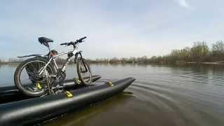 Катамаран из обычного велосипеда, велокатамаран(Второй тестовый спуск. Еще кое-что нужно переделать. Пока крутить педали прихедится очень