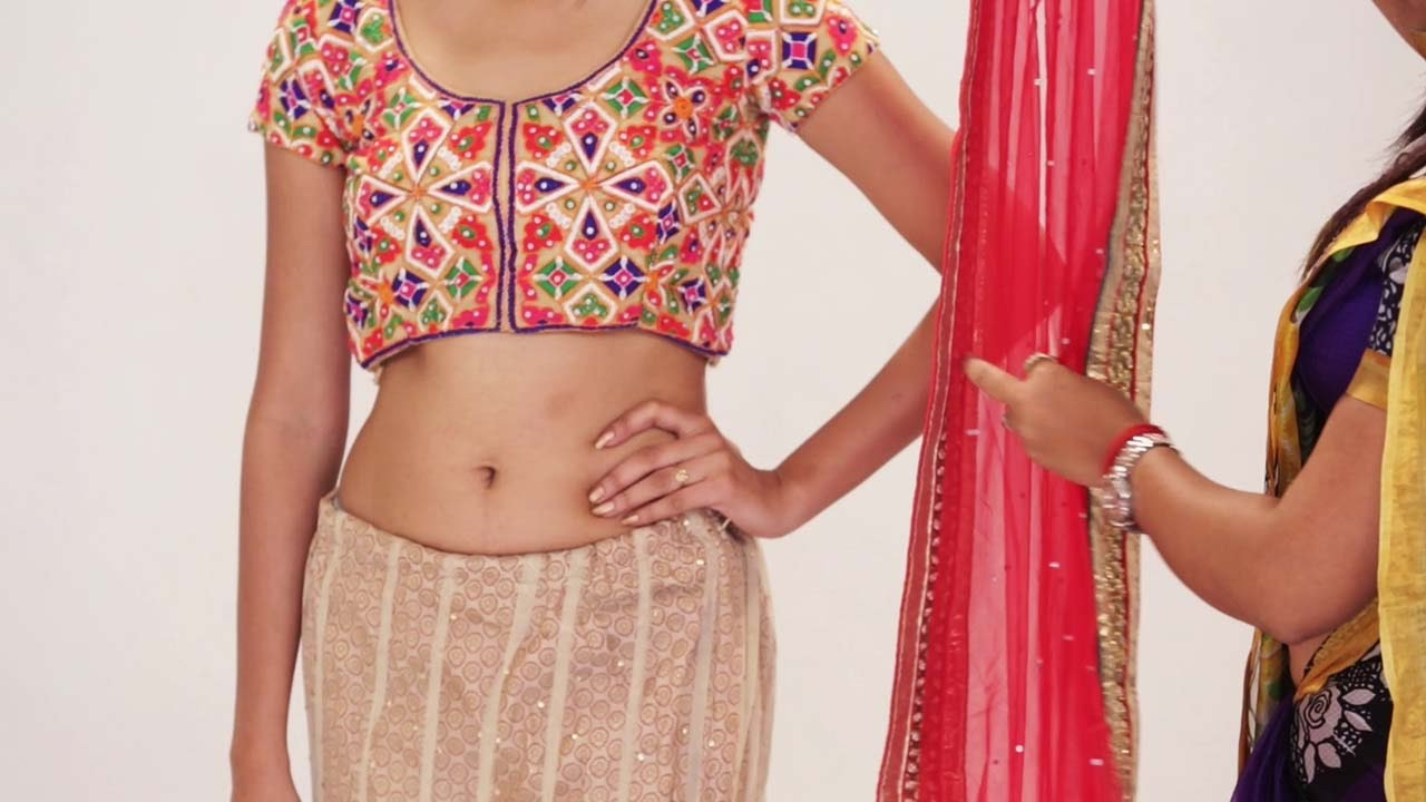 d56be038c2 How To Wear Lehenga Saree To Look Slim Without Draping |Gorgeous Way To Wear  Lehenga Dupatta Quickly - YouTube