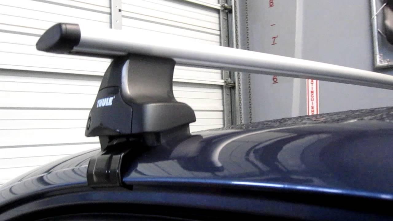 2013 Subaru Legacy with Thule 480R Traverse AeroBlade Roof