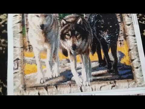 Сравнение двух одинаковых картин от разных продавцов Волки выходят из леса