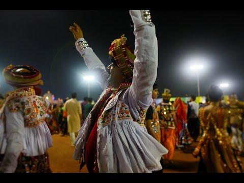 Live Garba 2016 - Gandhinagar Cultural Forum Navli Navratri Day 8 by Dipti Desai Amit Thakkar Group