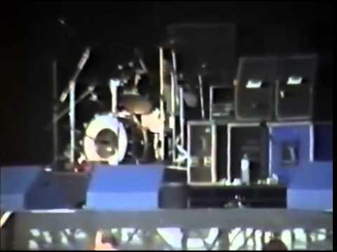Nirvana love buzz Live At Reading 1991UK