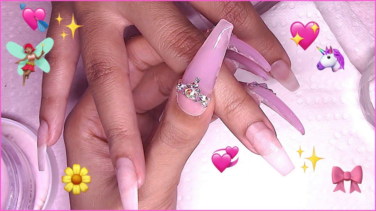 Femi Beauty: Nail Makeover! Basic But Not TOO Basic ????