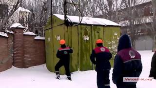 Видео  Новости-N: В Николаеве горела трансформаторная подстанция(В Николаеве горела трансформаторная подстанция., 2016-01-18T11:39:01.000Z)