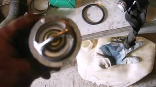 видео Замена и ремонт термостата и радиатора на Mitsubishi Galant