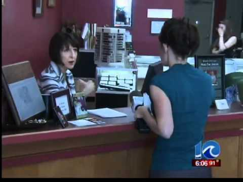 Jeweler accused of switching diamonds