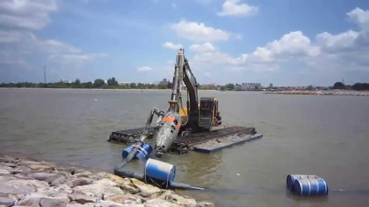 AMPHIBIOUS EXCAVATOR AT 200ER/ AT 200ERPS | Amphibious Excavator
