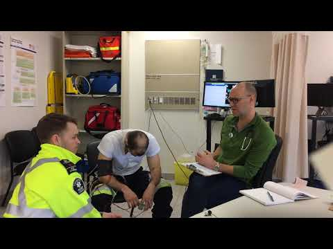 Paramedic simulation demonstrating the treatment of congestive heart failure (CHF)