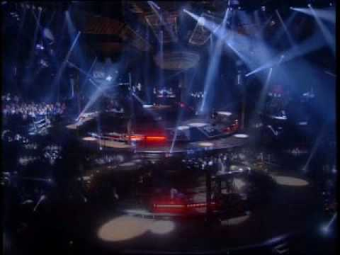 In The Air Tonight - Phil Collins ( Live And Loose In Paris 1997 )