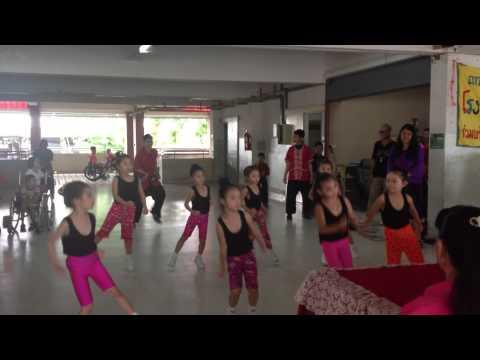 Aerobic Dance by K.3 Waidaroon Kindergarten School, Chiang Mai, Thailand