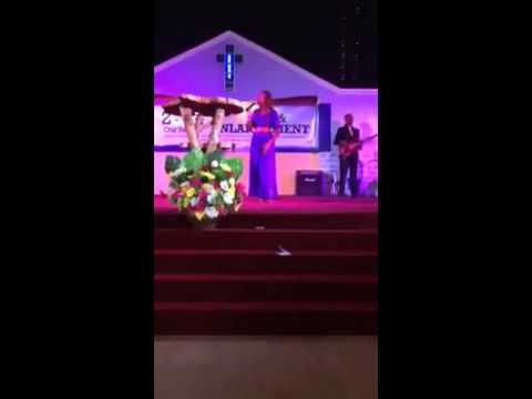 Millicent Waithaka singing umetenda mema by Kambua