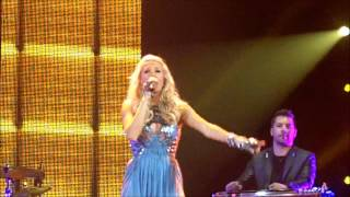 "Carrie Underwood - ""Cowboy Casanova"" LIVE in Green Bay"
